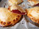 chaussons pommes framboises pour un petit déjeuner gourmand