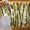 Tarte aux asperges vertes, parmesans et pignons de pin