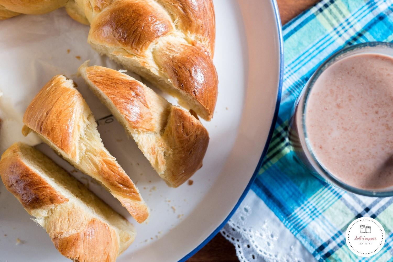 pain au beurre : la brioche tressée de Martinique. Idéal pour un brunch antillais maison #recetteantillaise #recette #brunch #brioche