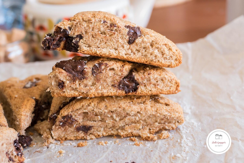 Scones au chocolat, noix de coco et farine complète : parfaits pour le goûter comme pour le petit déjeuner