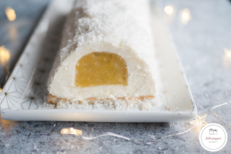 Bûche de Noël exotique coco ananas : la recette facile #buchedenoel #bucheexotique