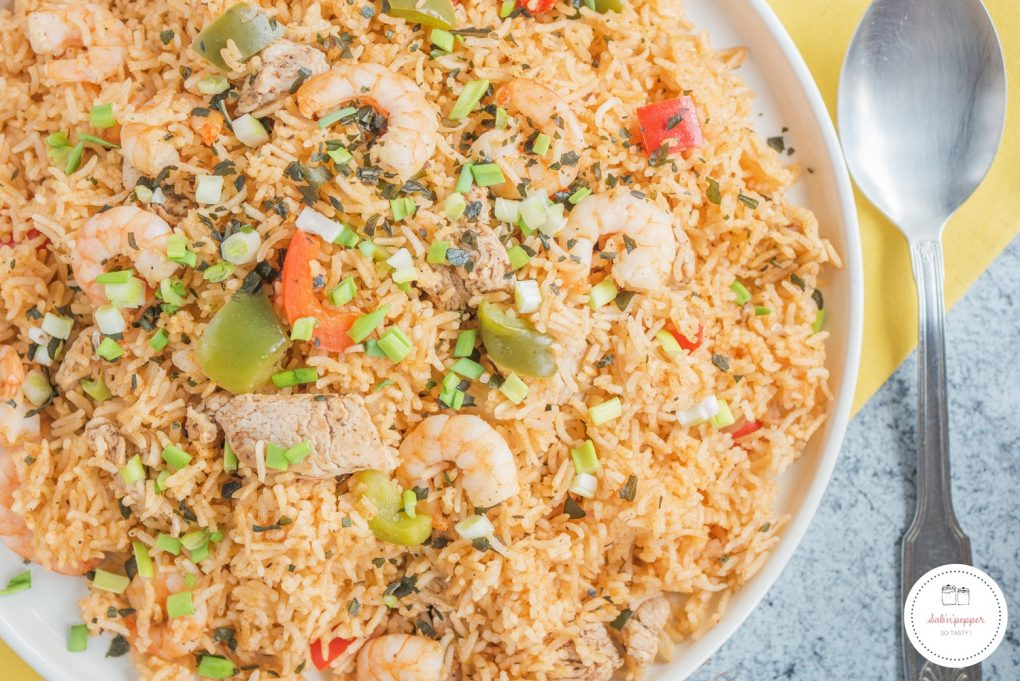 jambalaya poulet et crevettes :une recette simple et savoureuse aux épices cajun #jambalayapouletcrevettes #jambalayapoulet #recettejambalayapoulet