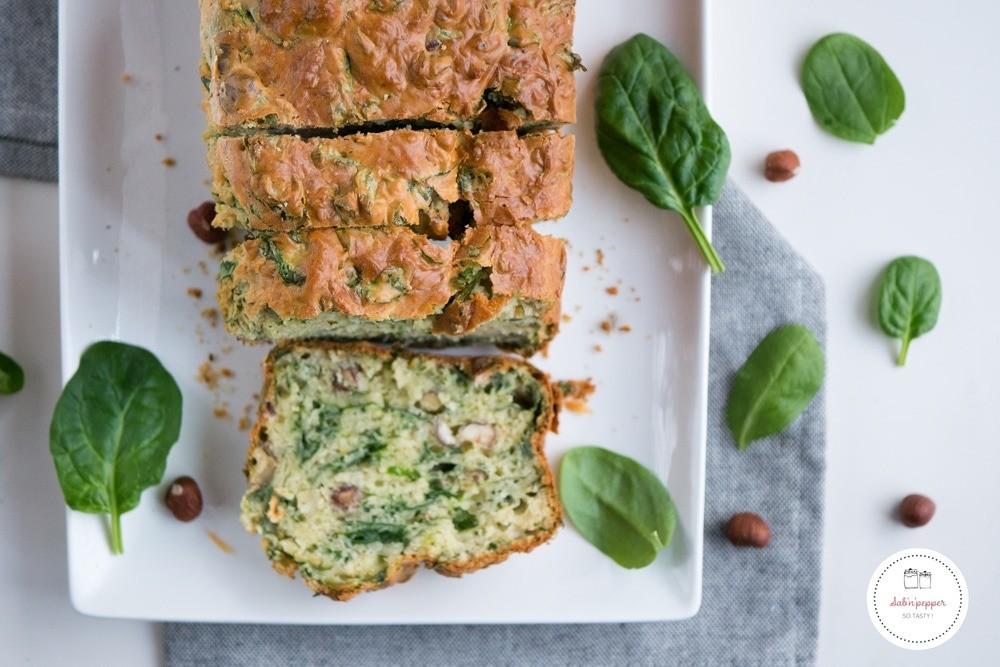 Cake aux épinards noisettes et cantal : idéal pour un pique-nique  #cakeépinard #cakesalé #recetteépinards