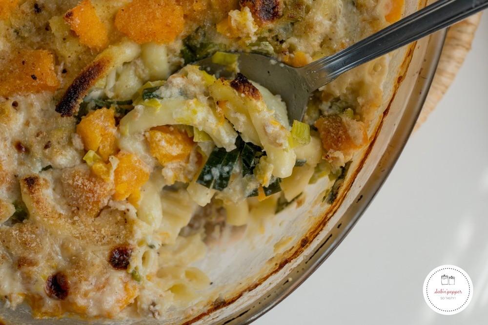 Ce gratin de macaronis croustillant est une recette simple et familiale qui plaira aux petits et aux grands #recette #recettefacile #macaronis