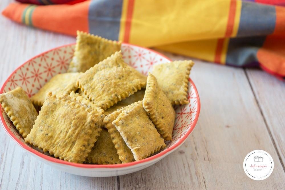 Crackers maison au colombo et aux graines de pavot pou un apéro antillais #crackers #apéro #recetteapéro #antilles