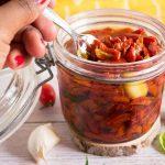 Tomates confites : une recette facile pour manger des tomates toute l'année #recette #antigaspi #zerodéchet