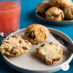 Scones sans gluten : la recettee gourmande à la cannelle et pépites de chocolat! #recette #scones #sansgluten #sanslactose