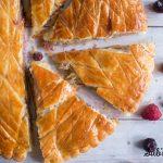 Galette des rois aux fruits rouges : une recette délicieusement acidulée ~#galettedesrois #epiphanie #recettefacile